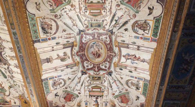 フィレンツェ、2日目、ウフィツィ美術館、館内の天井