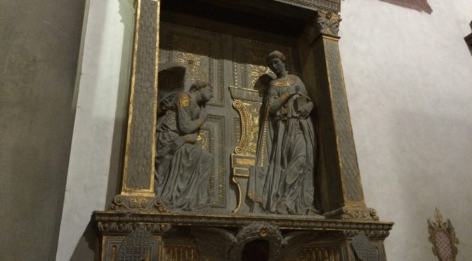 フィレンツェ、2日目、サンタ・クローチェ聖堂、ドナテッロ作《受胎告知》