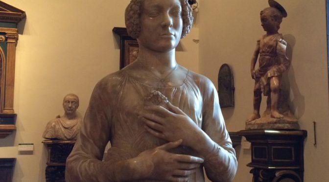 フィレンツェ、3日目、パルジェロ国立美術館、ヴェロッキオ、《花束を持つ女性》