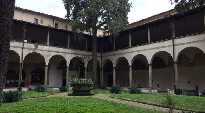 フィレンツェ、4日目、サンタ・マリア・デル・カルミネ教会、中庭