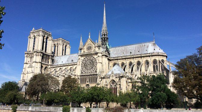 フランス、パリ、ノートルダム大聖堂、火災